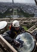 Mantenimiento en la Torre Eiffel