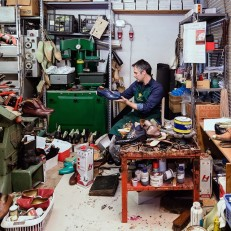 Simone Segalin, a third generation cobbler in Italy now uses laser foot scanners to create a 3D computer model of a customer's foot